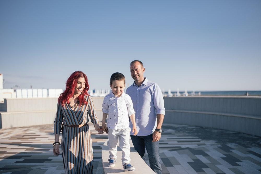 Servizio fotografico prematrimoniale al mare di Montalto Marina, Viterbo. Ecco Francesco, Stefania ed il piccolo Manuel.
